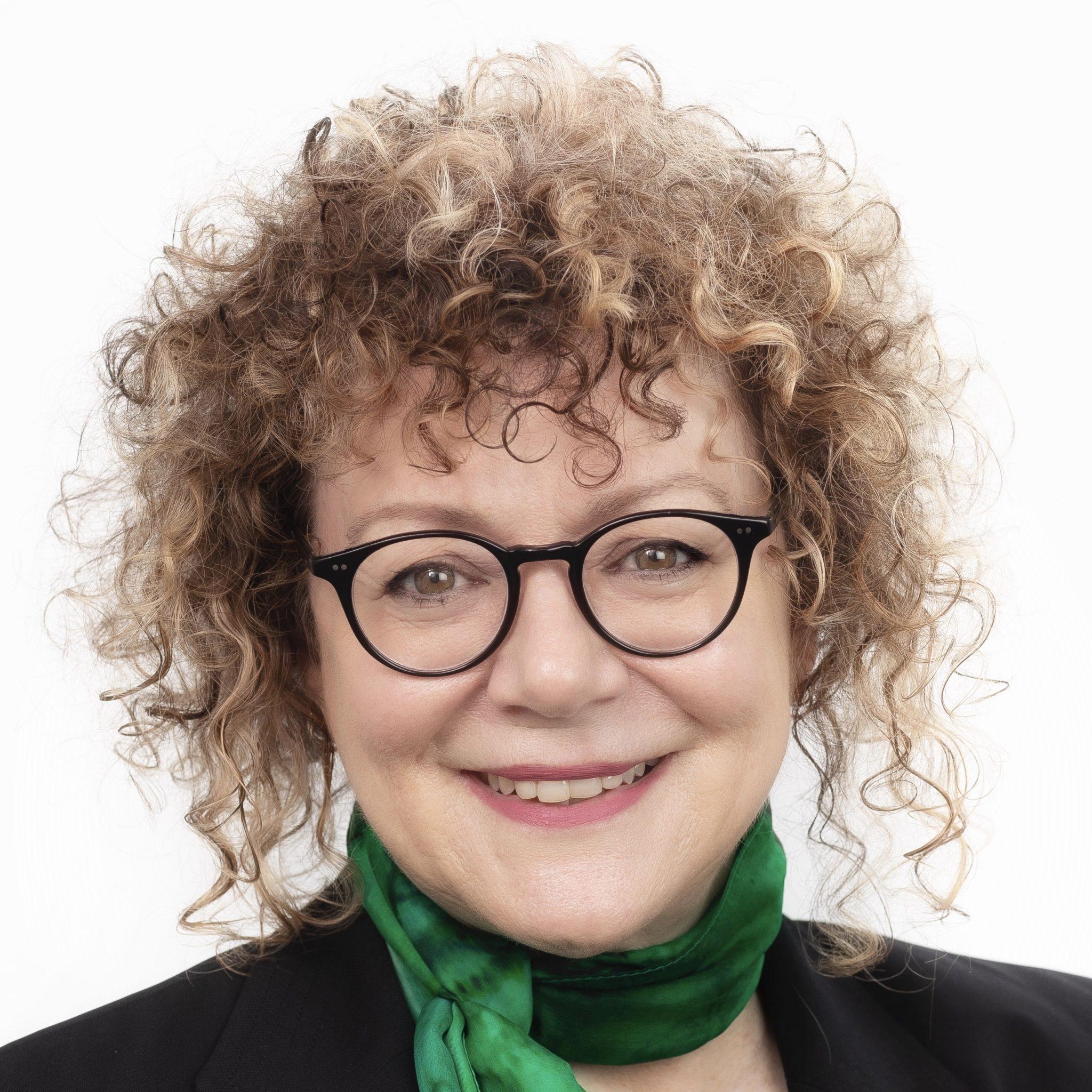 Dr Carolyn McKay